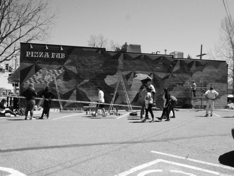 Students+working+on+Mural
