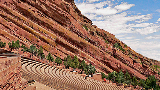 Photo by https://magnoliahotels.com/denver/2017/09/25/red-rocks-fall-event-calendar/